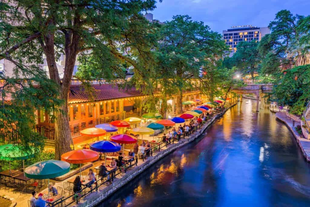 San Antonio, Texas, USA River Walk.