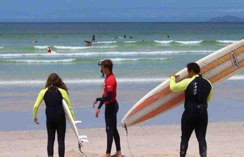 learn to surf for the first time