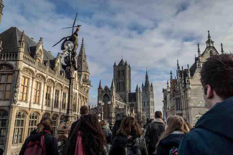 walking tours save money
