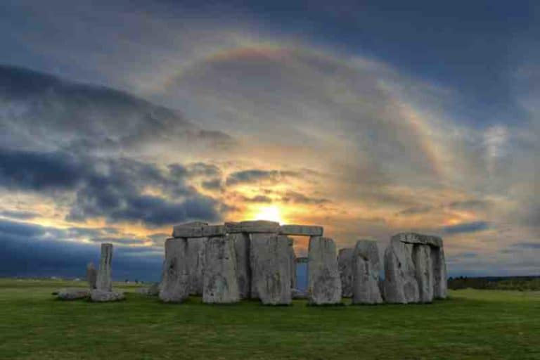 How to Get to Stonehenge From London – Bus, Train or Tour?
