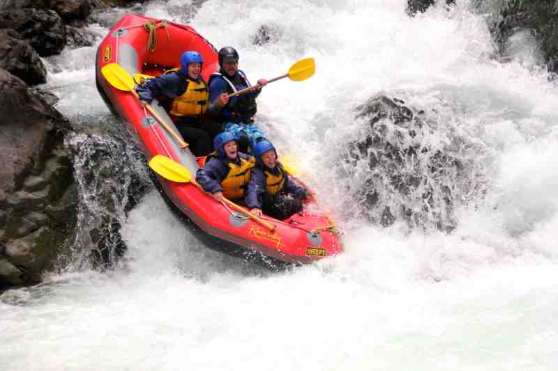 white water rafting in nz